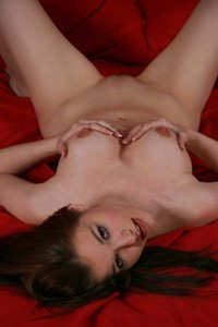 Model Robin A in Red Sheets