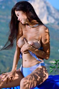 Model Martina Mink in Blue Skies