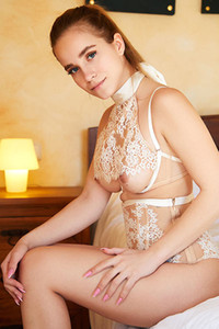 Model Cassia in Regal Lace